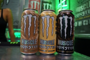 monster-muscle-nacs-strawberry-behinds